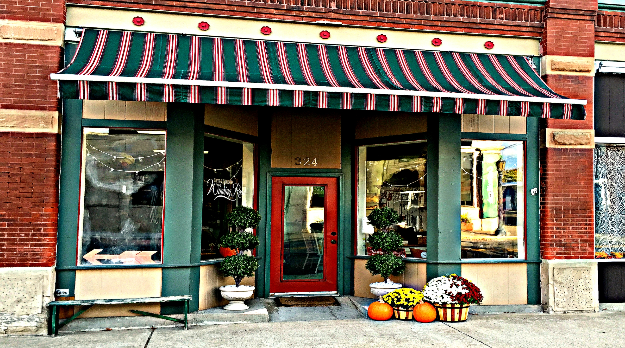 Winding Road Storefront - California, MO